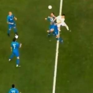 Zenit - F.Bahçe maçında tartışmalı pozisyon!